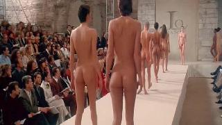 女子人体艺术巴黎时装形体展