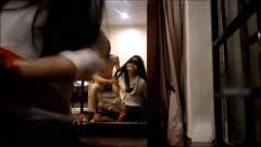 性感漂亮的黑丝美女回家后被尾随的歹毒按倒捆绑后撕破丝袜强行爆操,干完一次抱在桌子上又干!