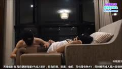 性感美女摁在沙发上反手捆绑蒙眼封口撕破黑丝桌上后入猛操拉倒床上继续干1/