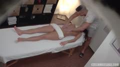 按摩推油系列:凡妮莎德克被按摩师给操了