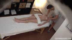 按摩推油系列:身材苗条的模特做了一个梦幻般的按摩 X11