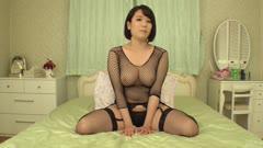 爆乳生ハメAV成宮はるあ~挑発オナニー
