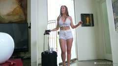 LENA PAUL - HOME SHARING IS CARING Z6